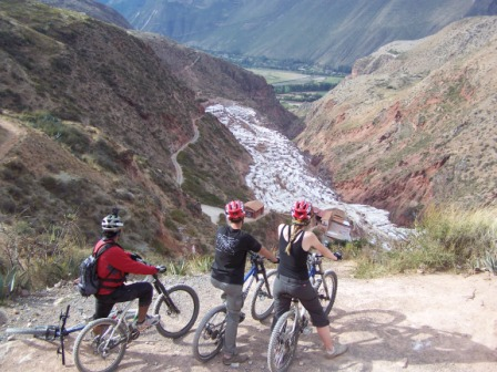 Biking in Cusco www.cicloturismoperu.com